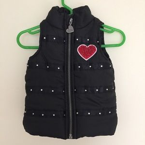 2/$12 ⛱ Betsey Johnson girls puffer vest w/ hearts